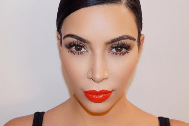 kim-kardashian-lipstick-050616-compressed
