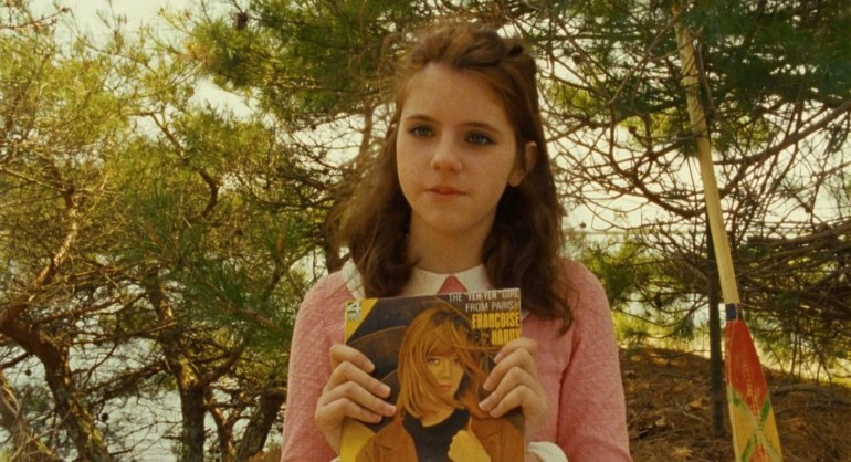 Moonrise_Kingdom_movie_still,_Suzy_displaying_Françoise_Hardy_album.jpg