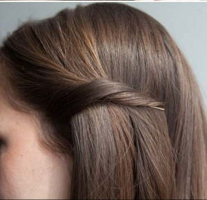 c9b8acbc7ba07366180c9e13153085e3--pin-bangs-back-short-hair-pinning-back-short-hair
